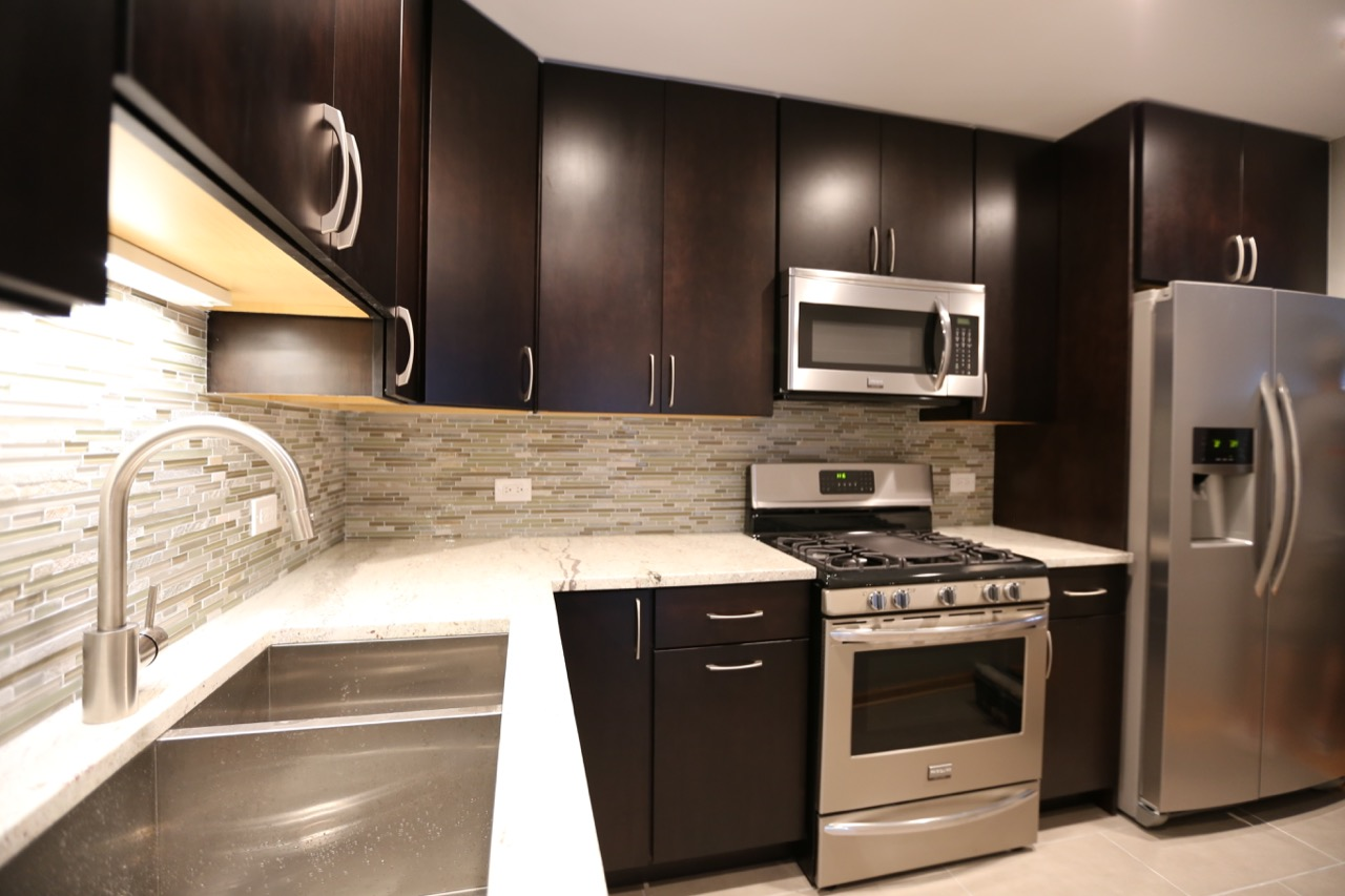 Lakeview Townhouse Kitchen – Chicago\'s Local Remodeling Experts