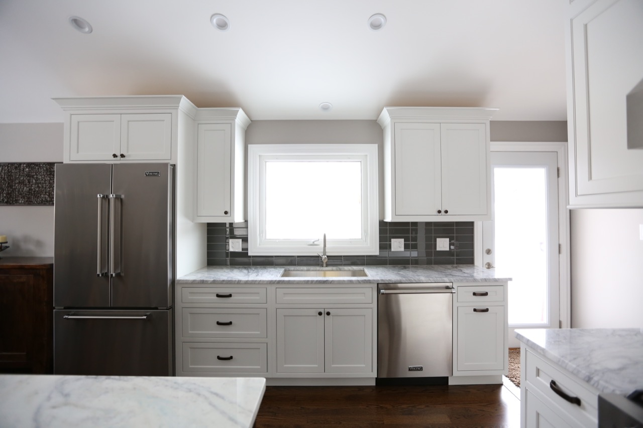 A 1 kitchen remodel 116 chicago 39 s local remodeling experts for Local kitchen remodeling