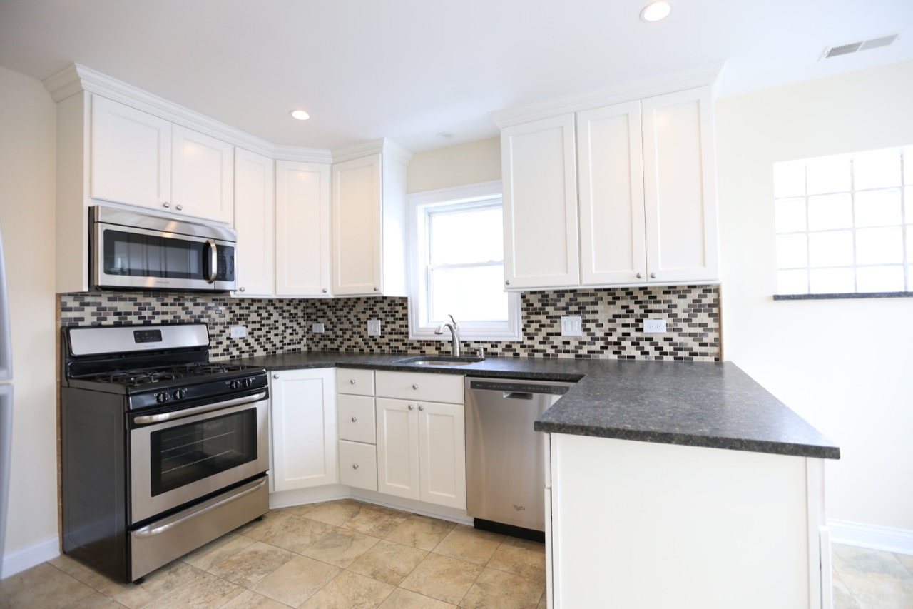 Lincoln Square Kitchen – Chicago\'s Local Remodeling Experts