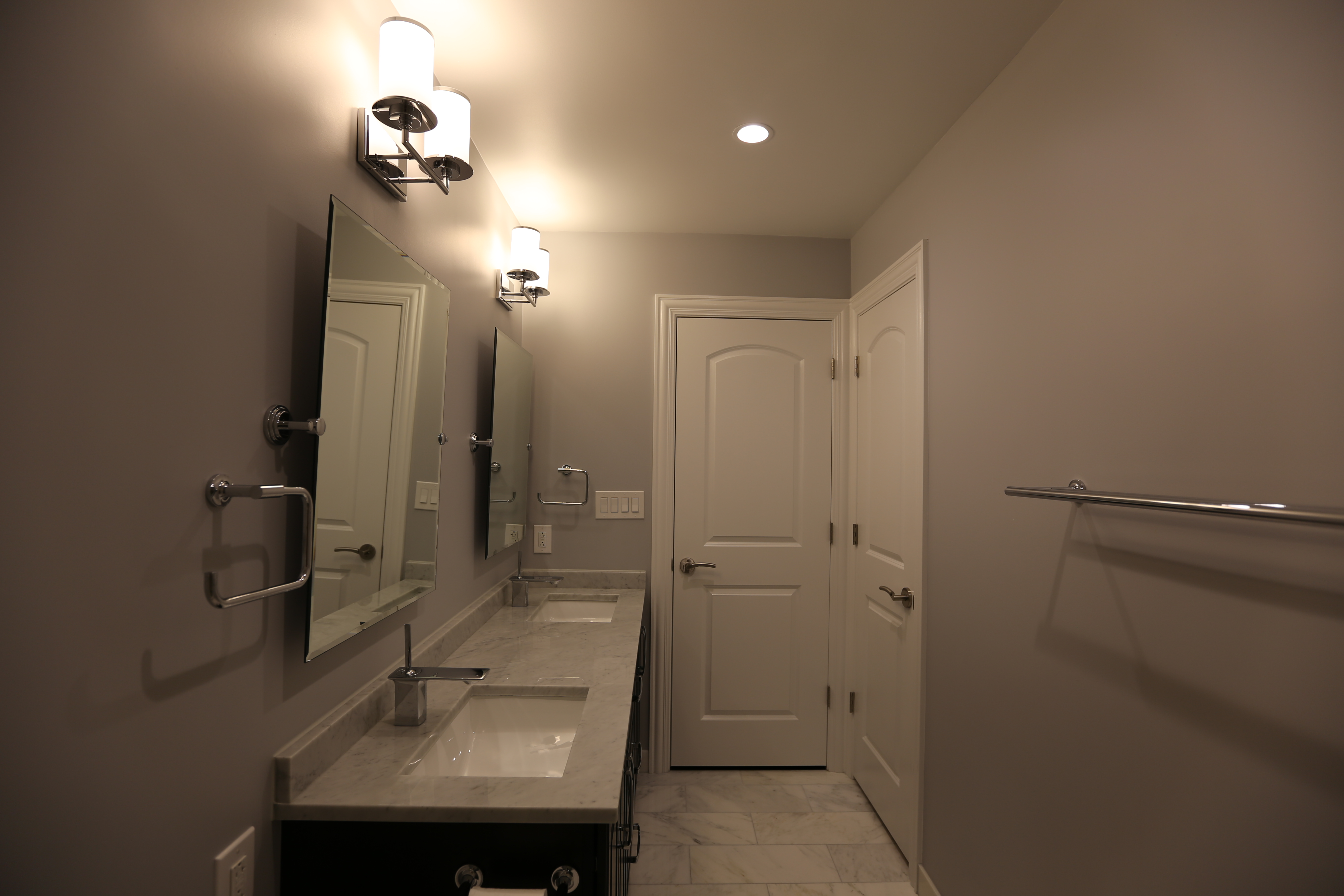 Glenview contemporary bathroom chicago 39 s local for Local bathroom remodelers