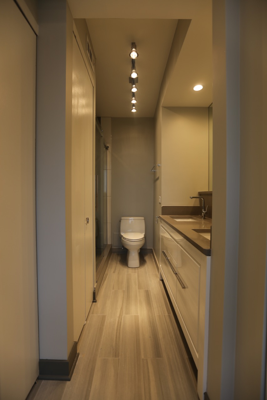 Lakeview Condo Bathroom Chicago S Local Remodeling Experts