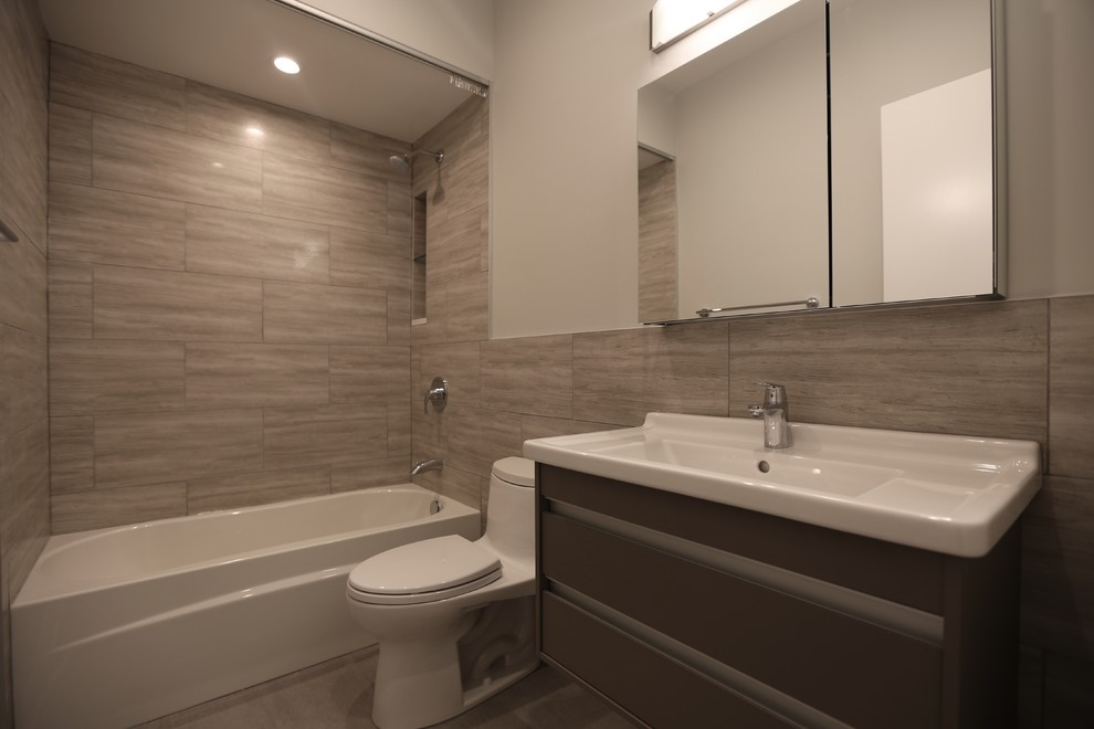 Old Town Hallway Bathroom Remodel Chicago S Local